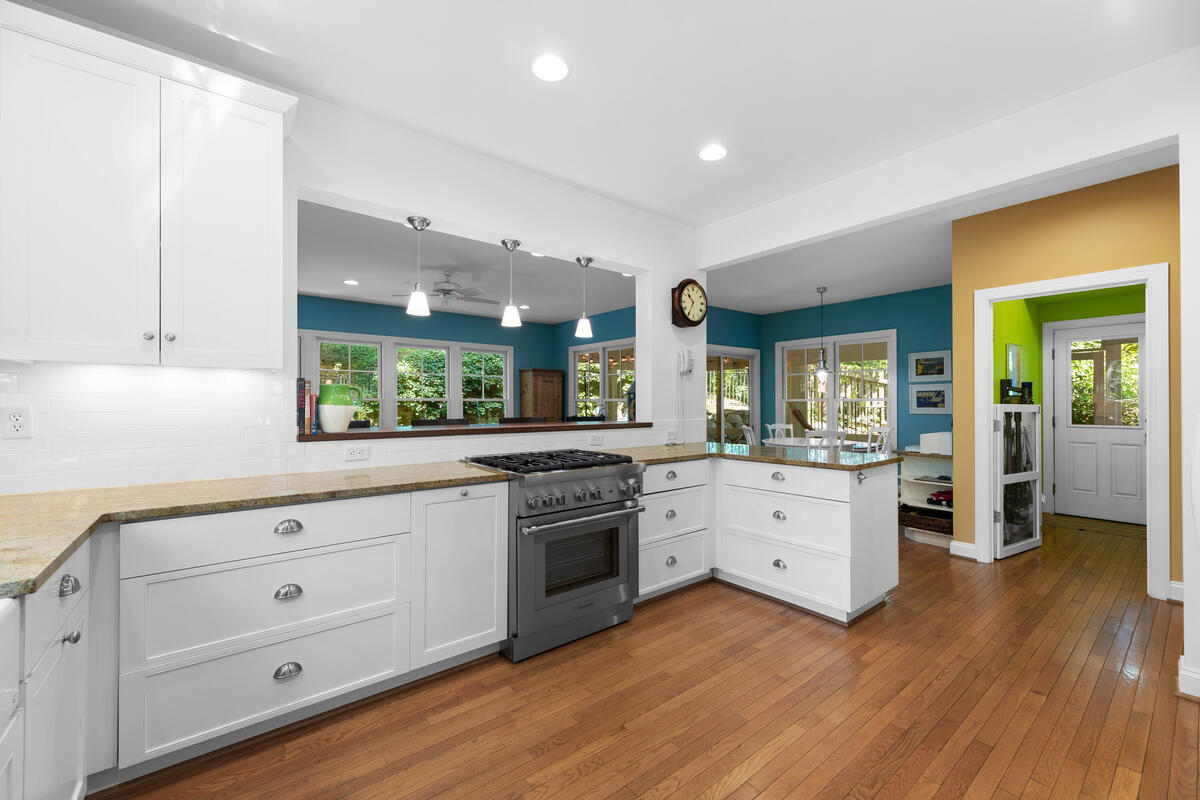 7002 Poplar Ave-027-017-Interior-MLS_Size