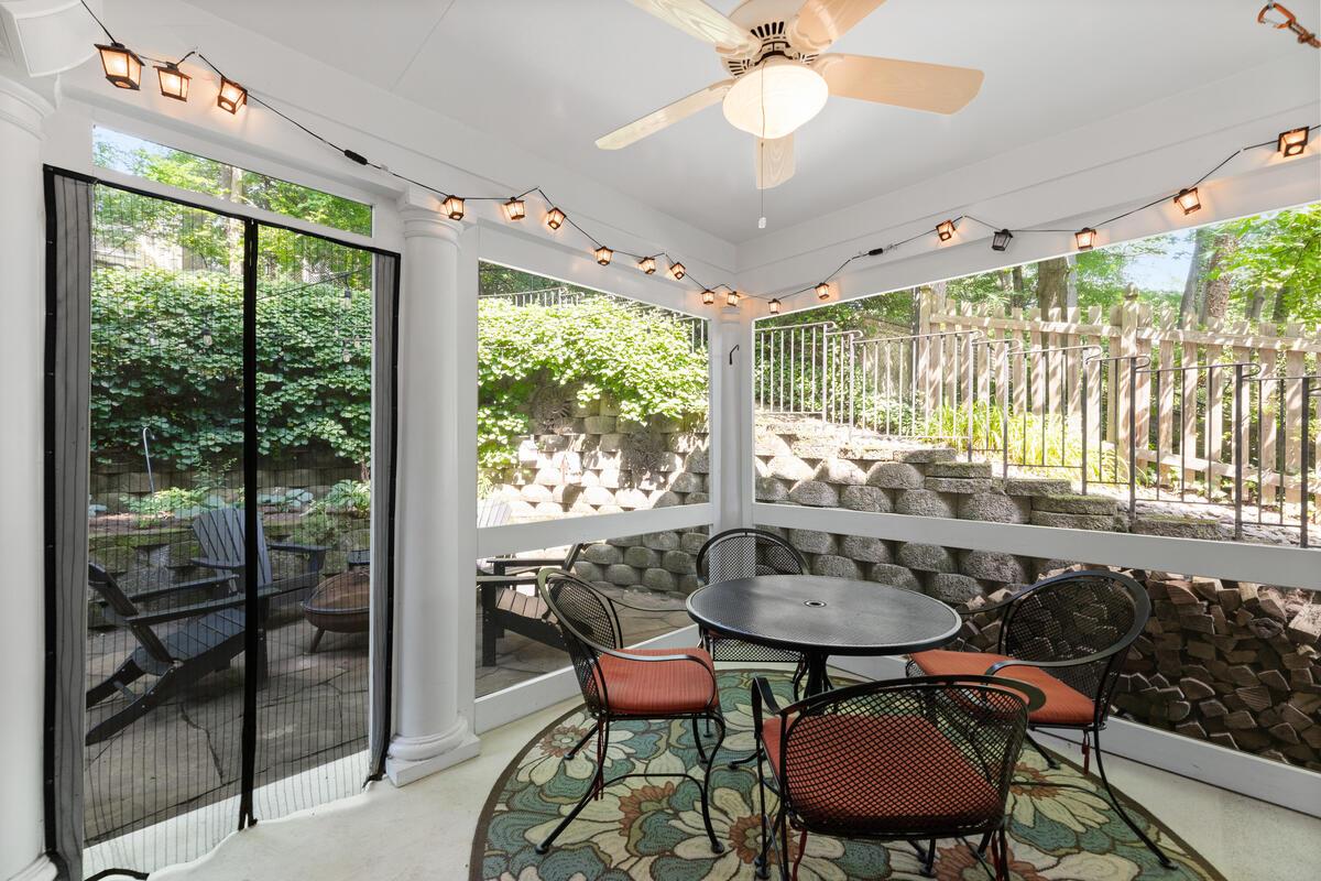 7002 Poplar Ave-033-010-Interior-MLS_Size