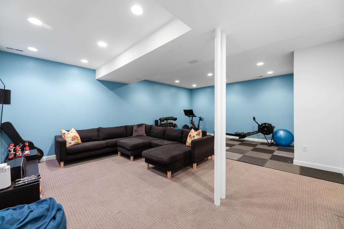 7002 Poplar Ave-056-004-Interior-MLS_Size