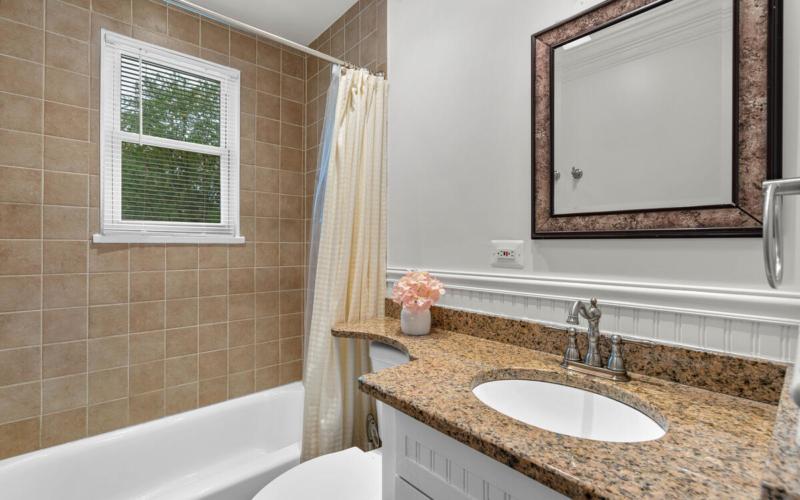9811 Dallas Ave-019-017-Interior-MLS_Size