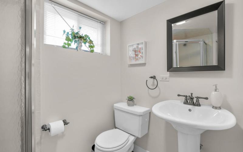9811 Dallas Ave-037-007-Interior-MLS_Size