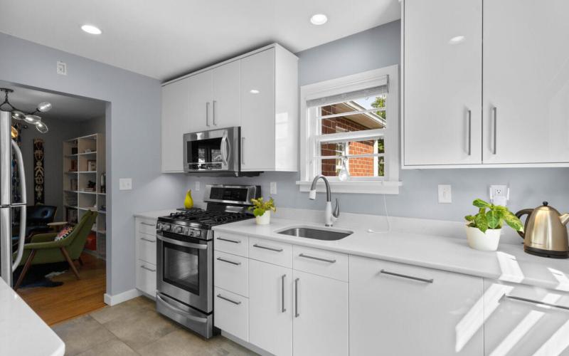 10609 Lilac Pl-014-009-Interior-MLS_Size
