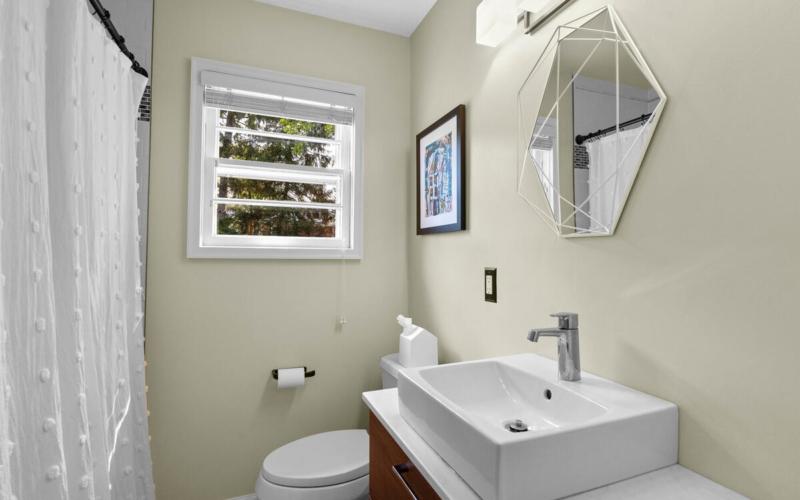 10609 Lilac Pl-022-018-Interior-MLS_Size