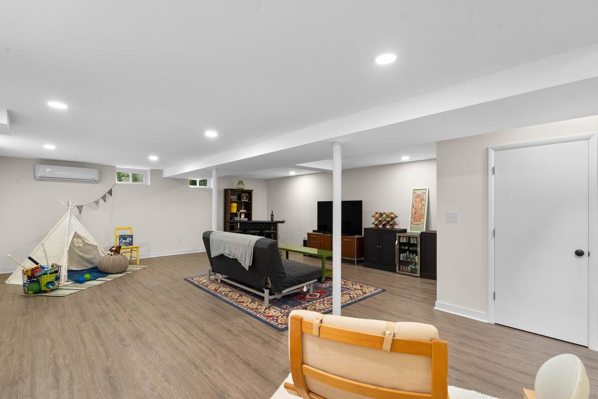 10609 Lilac Pl-033-017-Interior-MLS_Size