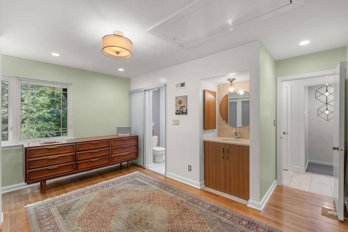 116 Sunnyside Rd-035-027-Interior-MLS_Size