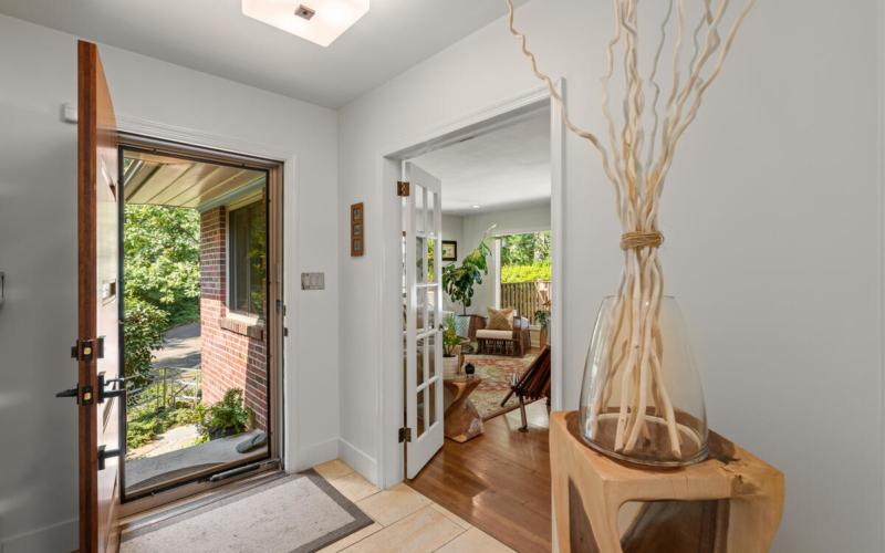 116 Sunnyside Rd-039-042-Interior-MLS_Size