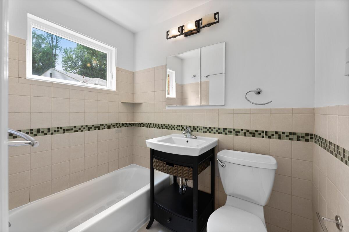 1600 Lansdowne Way-010-015-Interior-MLS_Size