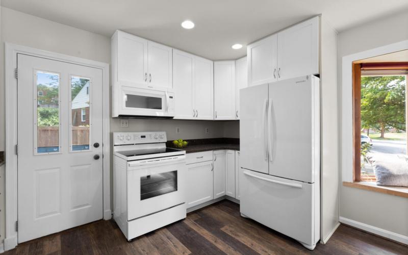 1600 Lansdowne Way-017-033-Interior-MLS_Size