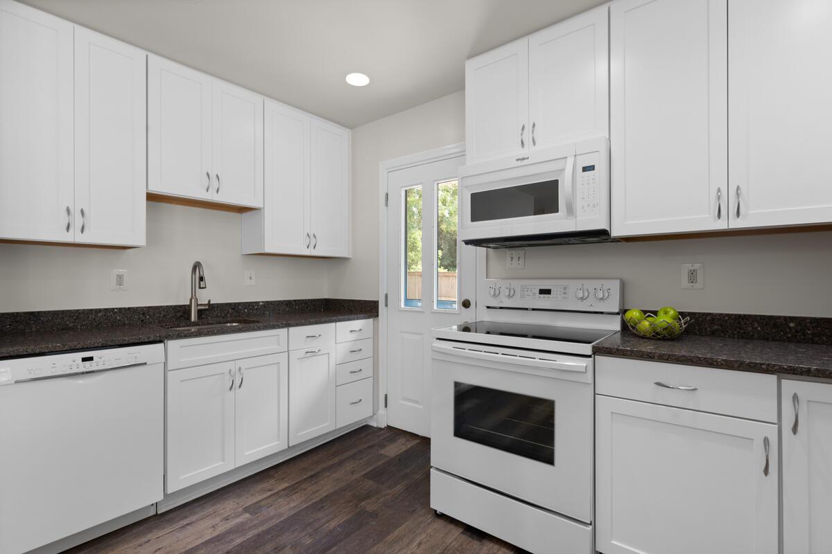 1600 Lansdowne Way-018-018-Interior-MLS_Size