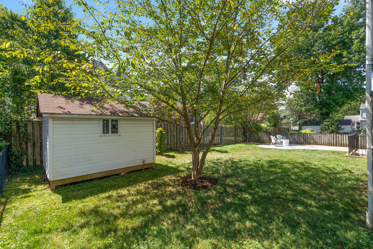2102 Luzerne Ave-047-049-Exterior-MLS_Size