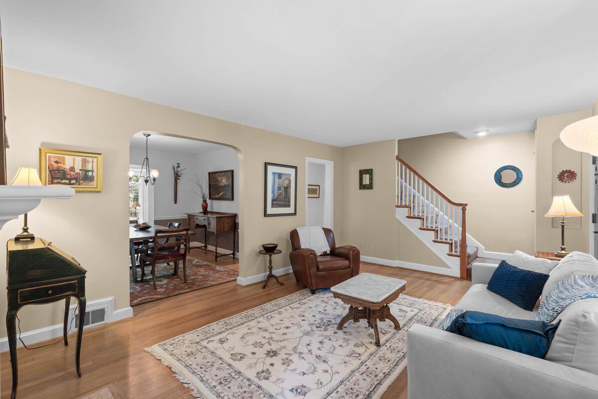 306 Windsor St-012-059-Interior-MLS_Size