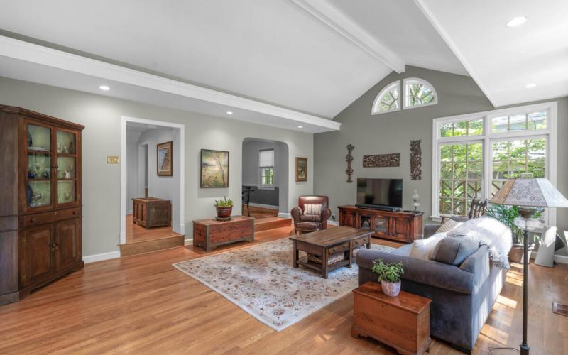 306 Windsor St-020-087-Interior-MLS_Size