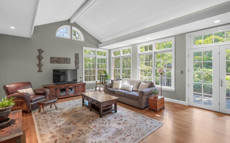 306 Windsor St-022-083-Interior-MLS_Size