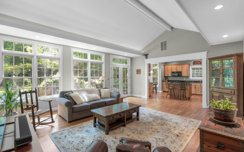 306 Windsor St-023-072-Interior-MLS_Size