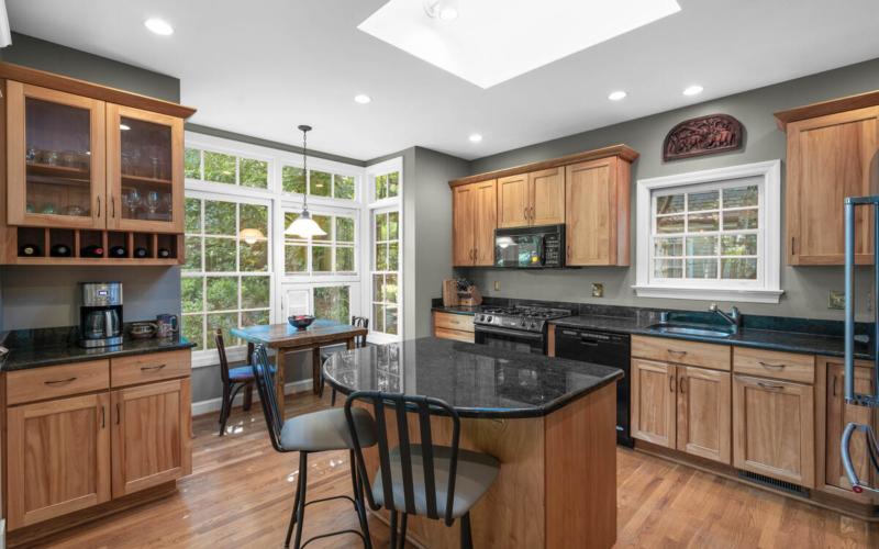 306 Windsor St-026-077-Interior-MLS_Size