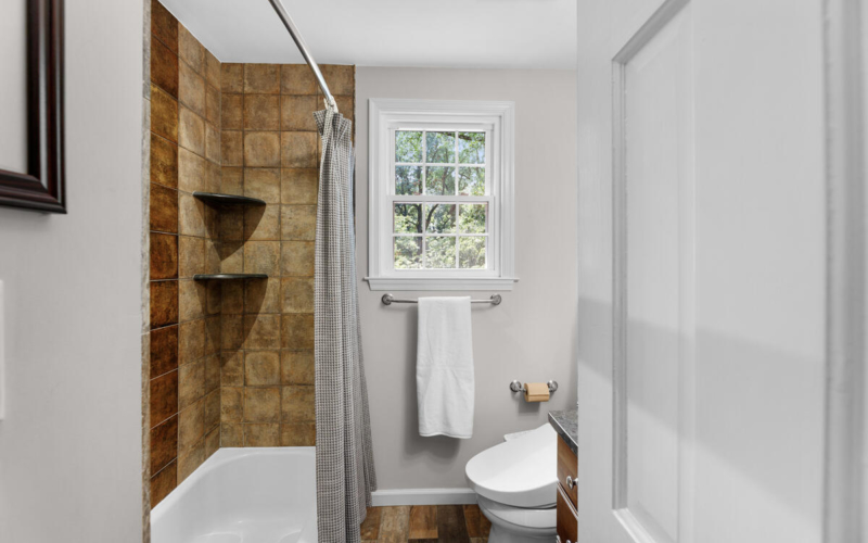 306 Windsor St-041-019-Interior-MLS_Size