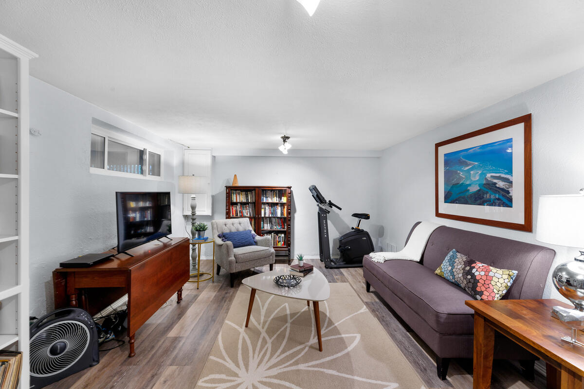 306 Windsor St-046-014-Interior-MLS_Size