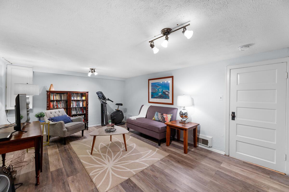 306 Windsor St-047-053-Interior-MLS_Size