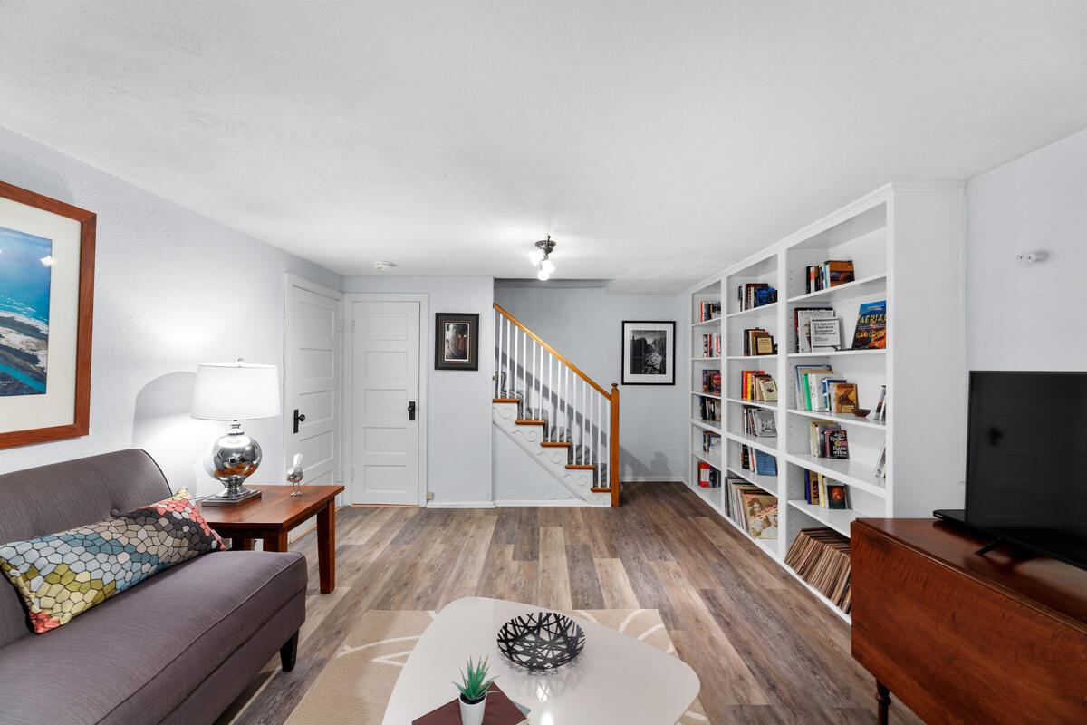 306 Windsor St-048-017-Interior-MLS_Size
