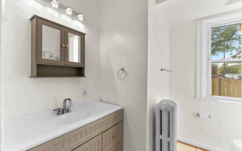 4504 Riverdale Rd-023-018-Interior-MLS_Size