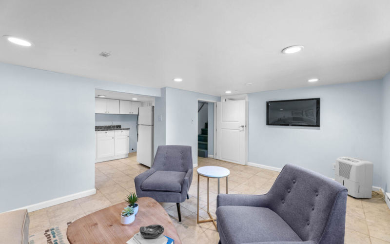4504 Riverdale Rd-037-009-Interior-MLS_Size