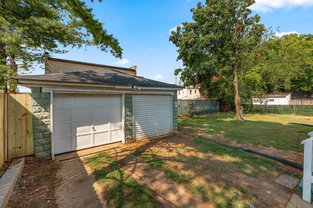 4504 Riverdale Rd-042-036-Exterior-MLS_Size