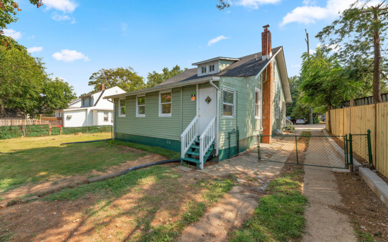 4504 Riverdale Rd-043-039-Exterior-MLS_Size
