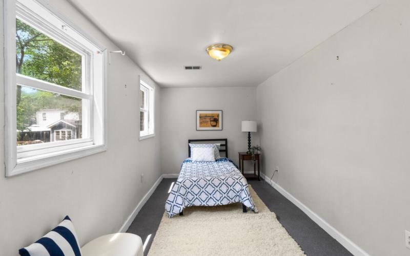 5712 40th Pl-040-027-Interior-MLS_Size