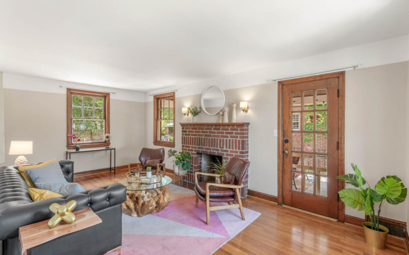 6213 42nd Ave-011-037-Interior-MLS_Size