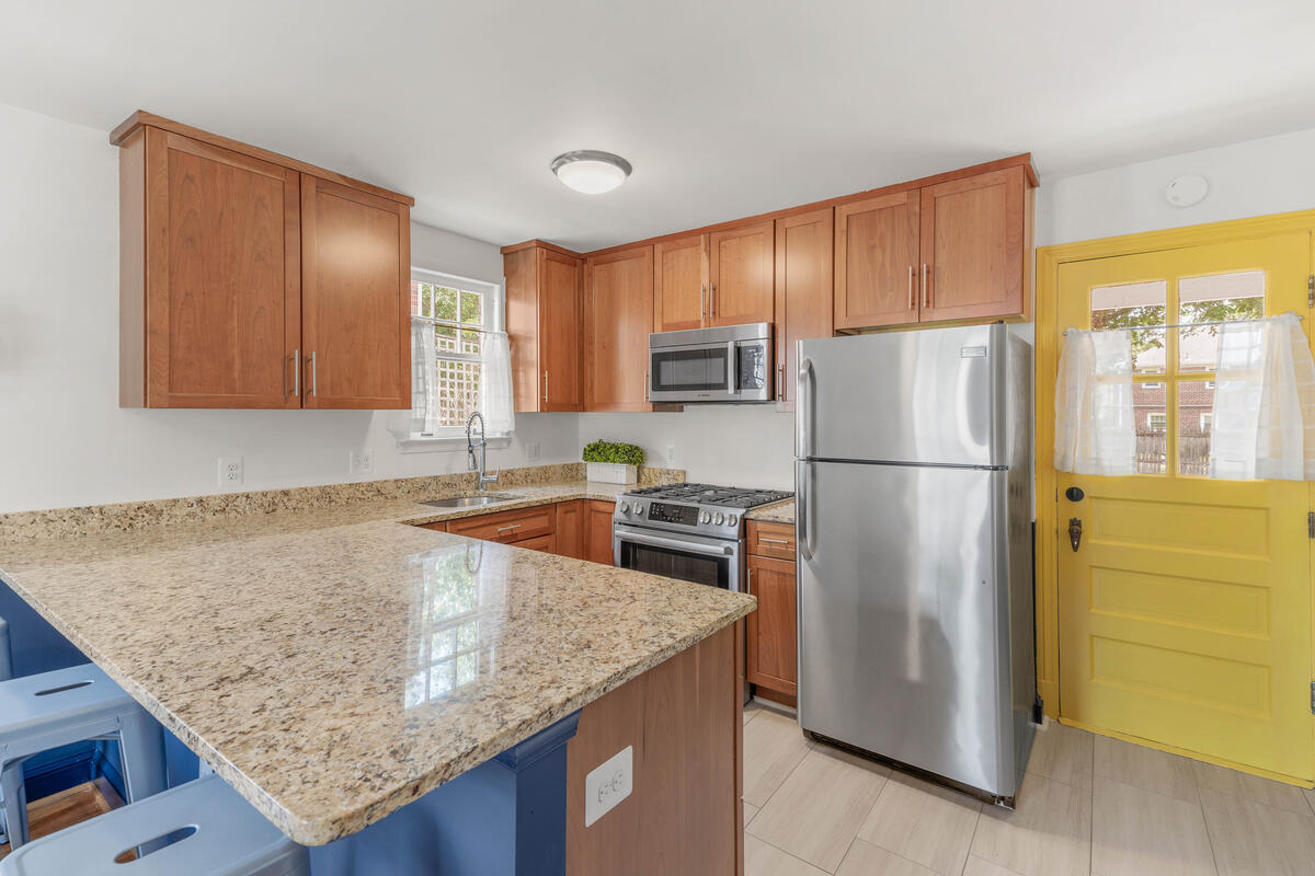 6213 42nd Ave-019-009-Interior-MLS_Size