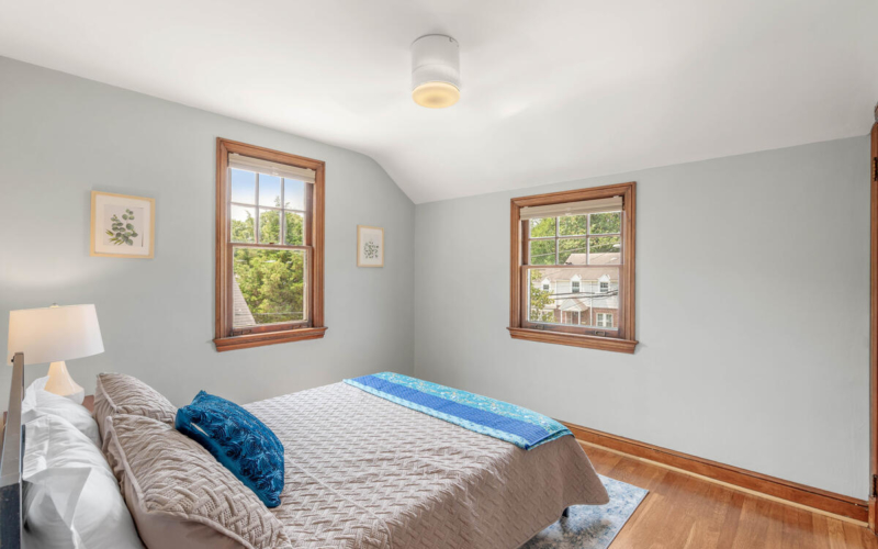 6213 42nd Ave-033-041-Interior-MLS_Size