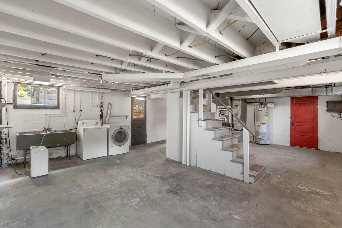 6213 42nd Ave-036-015-Interior-MLS_Size