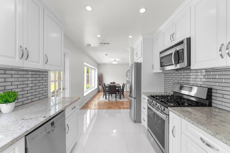 8608 Jones Mill Rd-large-019-029-Interior-1500×1000-72dpi