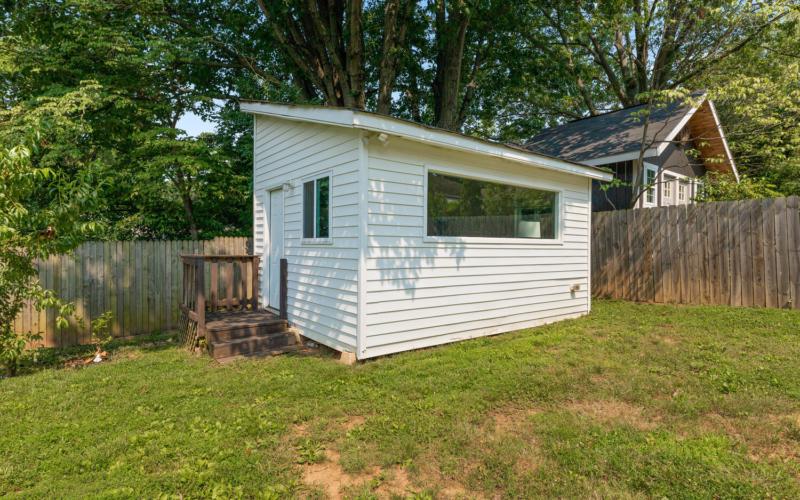 8608 Jones Mill Rd-large-038-041-Exterior-1500×1000-72dpi