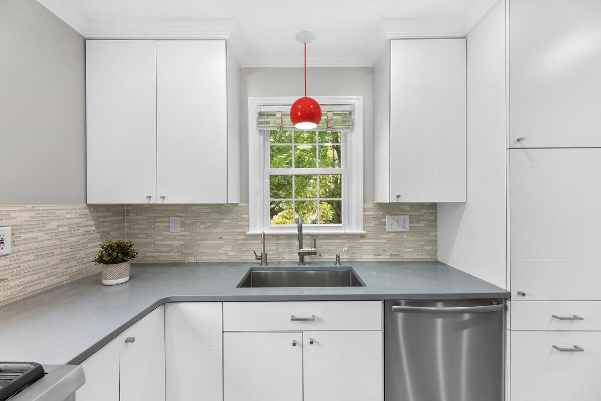 10101 Grant Ave-025-005-Interior-MLS_Size
