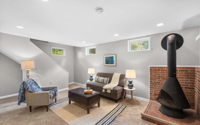 10101 Grant Ave-041-009-Interior-MLS_Size