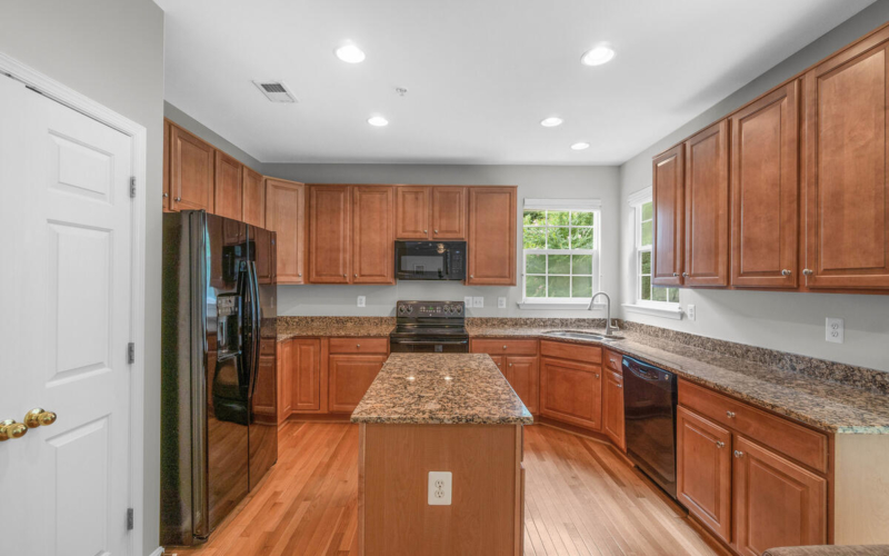 13912 Chadsworth Terrace-031-087-Interior-MLS_Size