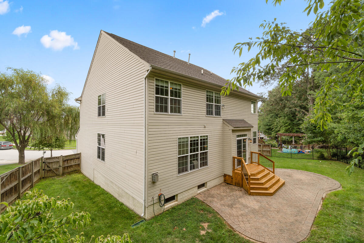 13912 Chadsworth Terrace-061-054-Exterior-MLS_Size