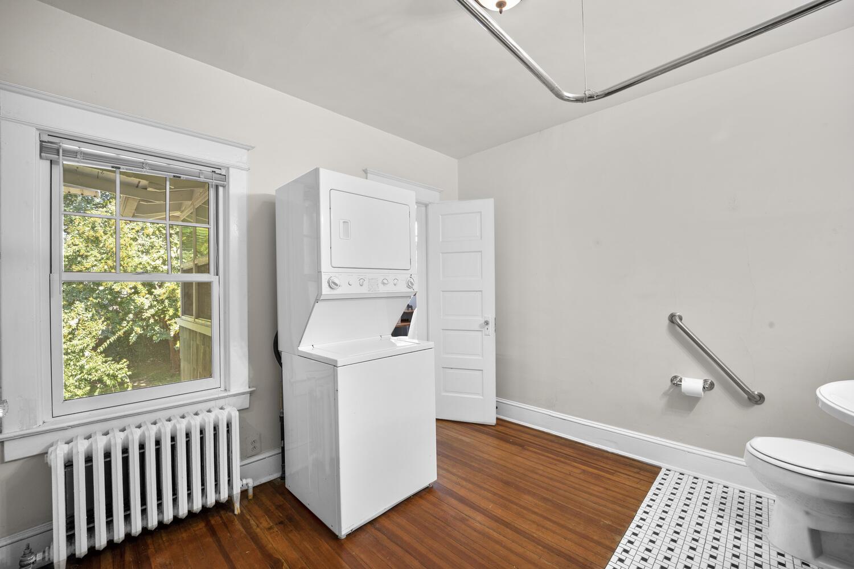 1600 Newton St NE-large-036-042-Interior-1500×1000-72dpi