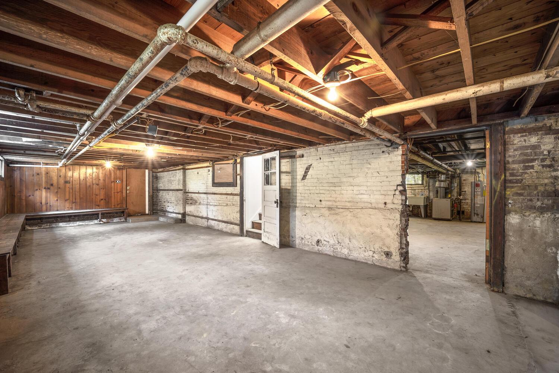 1600 Newton St NE-large-038-013-Interior-1500×1000-72dpi