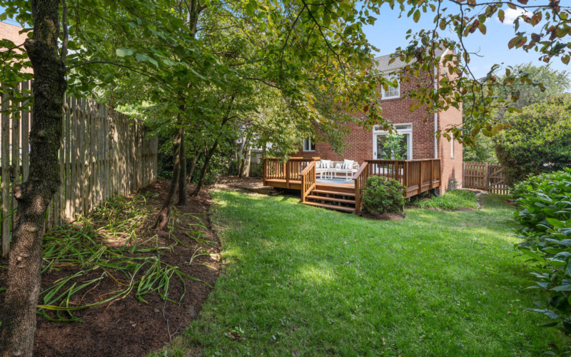 618 Woodside Pkwy-047-030-Exterior-MLS_Size