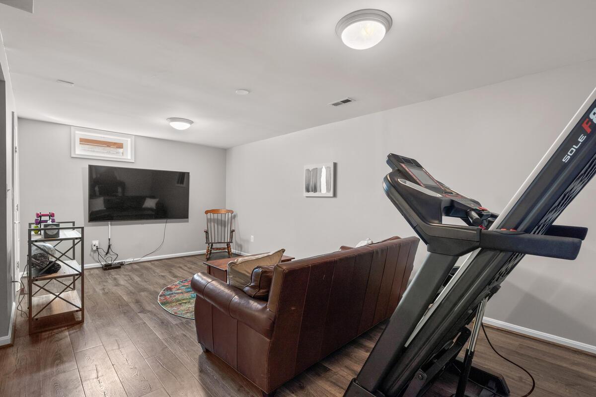 1314 Wheaton Ln-038-043-Interior-MLS_Size