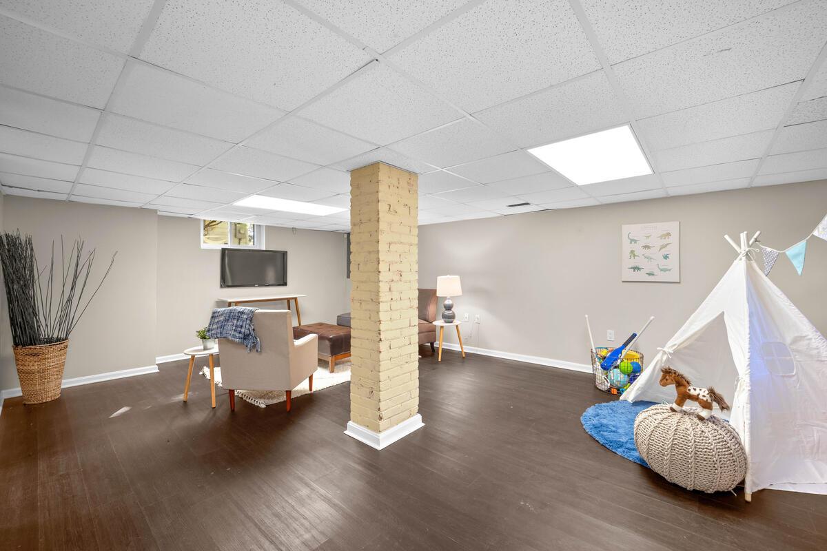 3914 Livingston St-034-025-Interior-MLS_Size