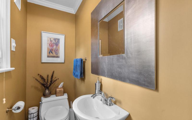 420 Deerfield Ave-025-005-Interior-MLS_Size