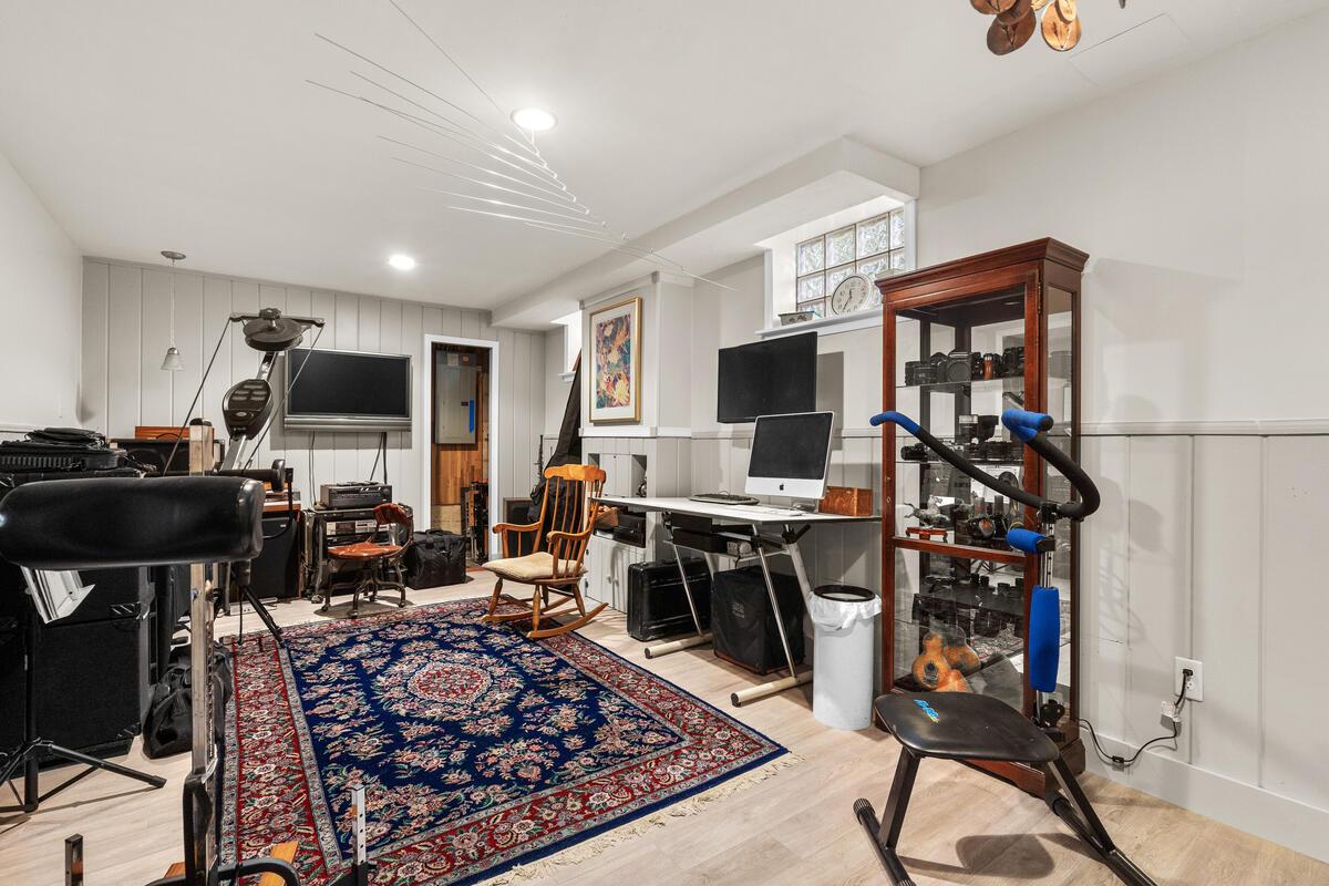 420 Deerfield Ave-037-013-Interior-MLS_Size