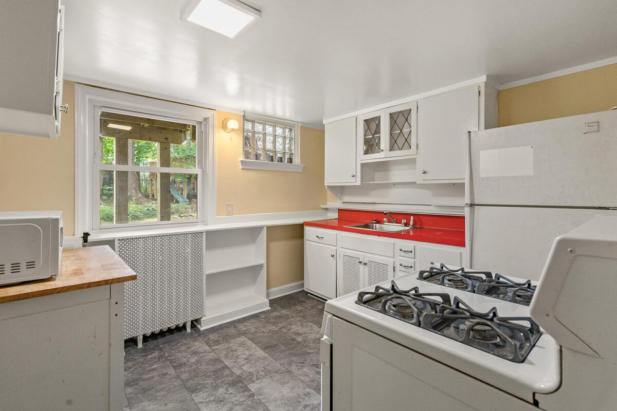 6 Midhurst Rd-027-016-Interior-MLS_Size