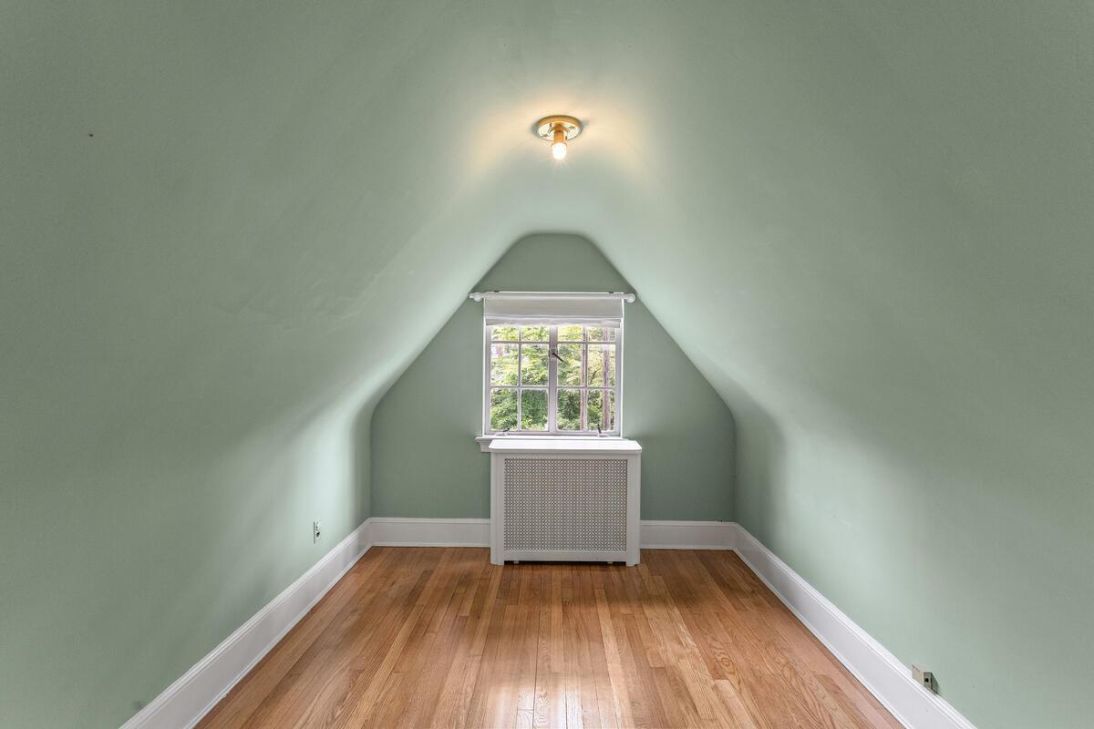 6 Midhurst Rd-038-026-Interior-MLS_Size