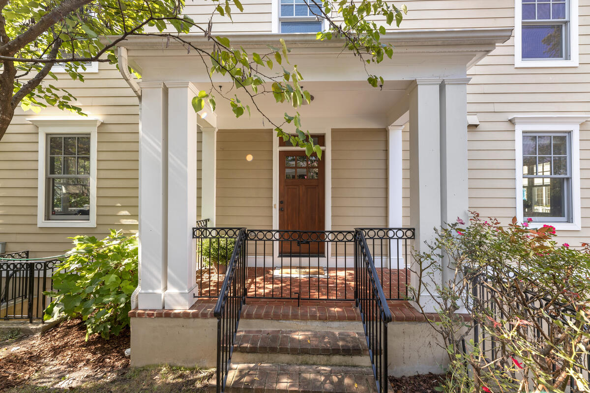 8908 Courts Way-007-038-Exterior-MLS_Size
