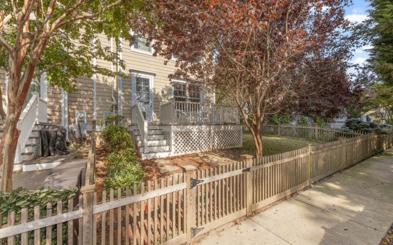 8908 Courts Way-049-044-Exterior-MLS_Size