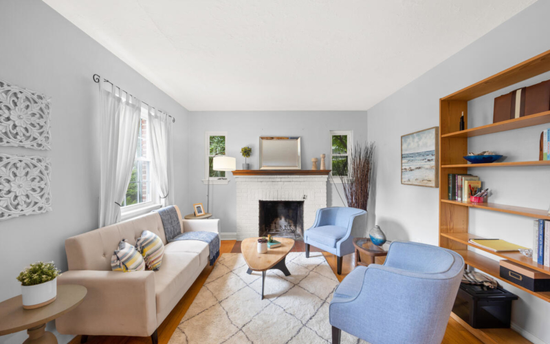 9112 Providence Ave-011-008-Interior-MLS_Size